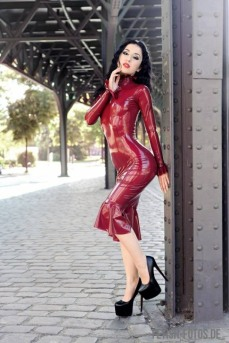 Red Latex Lady (63)