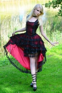 Enchanted Gothic Beauty (17)
