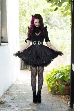 Enchanted Gothic Beauty (18)