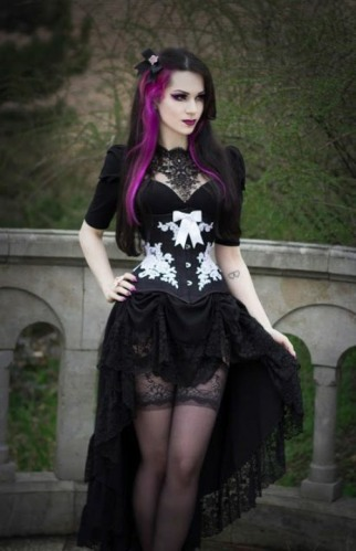 Enchanted Gothic Beauty (25)