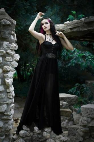 Enchanted Gothic Beauty (27)