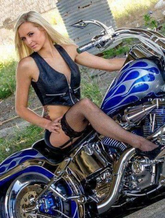 Biker Beauty (8)