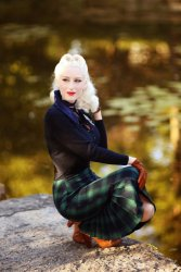 Agnes Tartan Pencil Skirt in Green