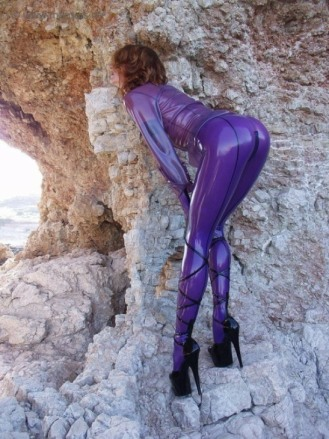 Latex Or Leather (42)