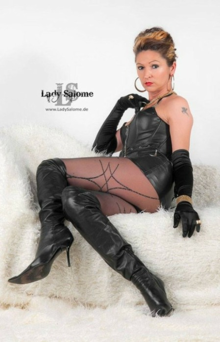 Sexy In Gloves (83)