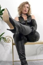 Leather Ladies (35)