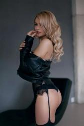 Lady In Black Dress (28)