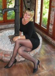 Lady In Black Dress (52)